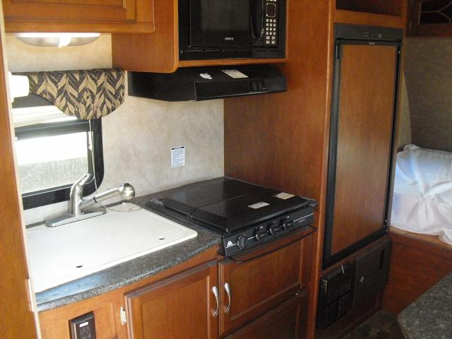 2015-WINNEBAGO-1706FB
