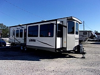 Forest River-2017-Wildwood DLX-385FLBH-Destination Trailer