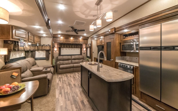 Brookstone Fifth Wheel Interior View, Front to Back.