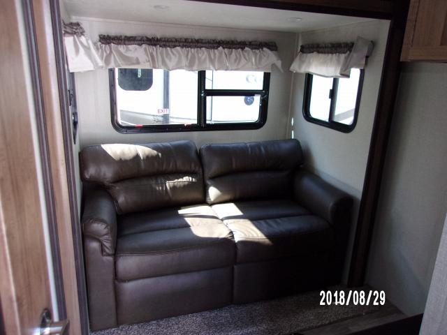 Coachman-2019-Chaparral-392MBL