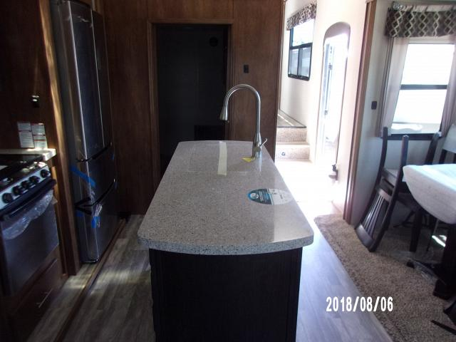Coachmen-2019-Brookstone-395RL