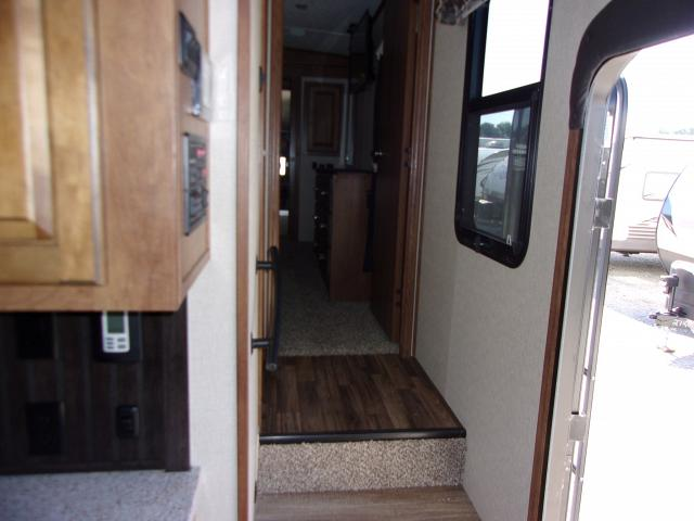 Coachmen-Brookstone-2019-325RL